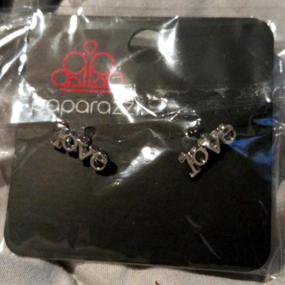 Paparazzi Valentines earrings